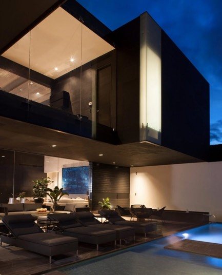 Впечатляющий новый дом в Гарса-Гарсиа
