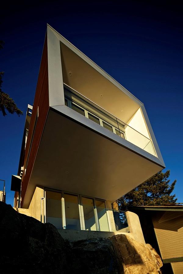Cliffhanger Residence