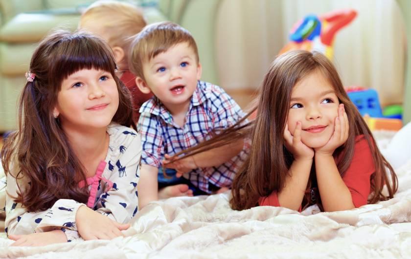 Как научить ребёнка не перебивать взрослых
