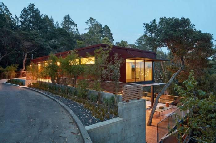 Дом с прекрасным видом на склоне