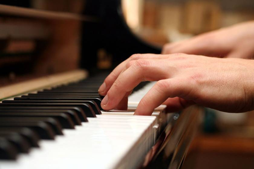 10 reasons to get your child music lessons