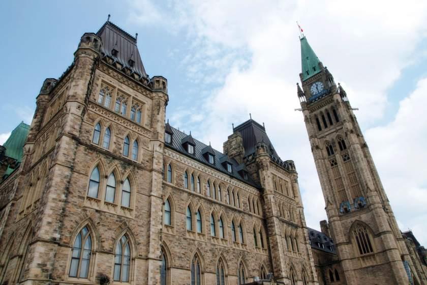 Ключевые пункты предвыборной кампании в Канаде